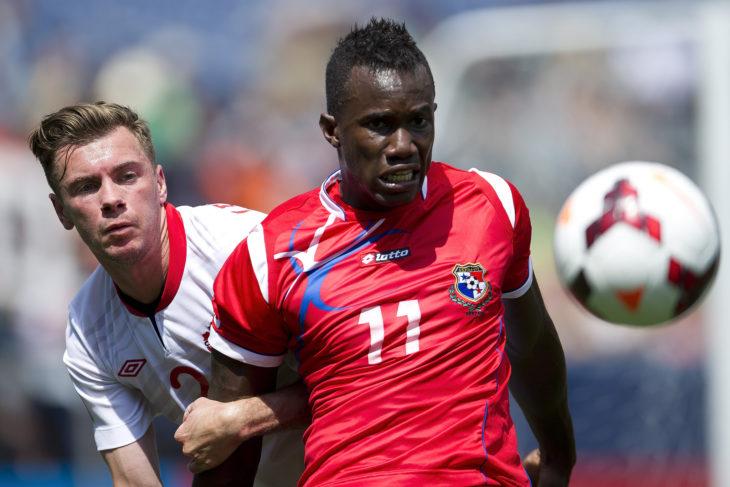 Nik Ledgerwood (L) battles with a Panamanian opponent. (Canada Soccer)