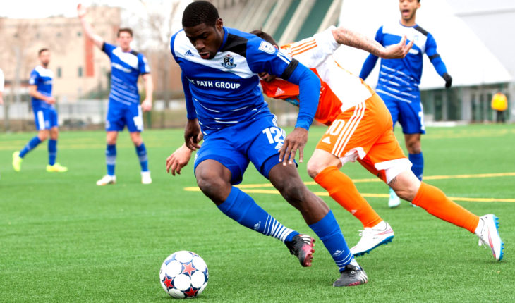 FC Edmonton's Kareem Moses on the ball. (CPL)
