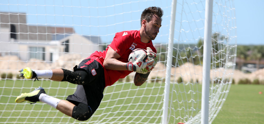 Cavalry FC goalkeeper Niko Giantsopoulos in action down in the Dominican. (Photo: Nora Stankovic/CPL).