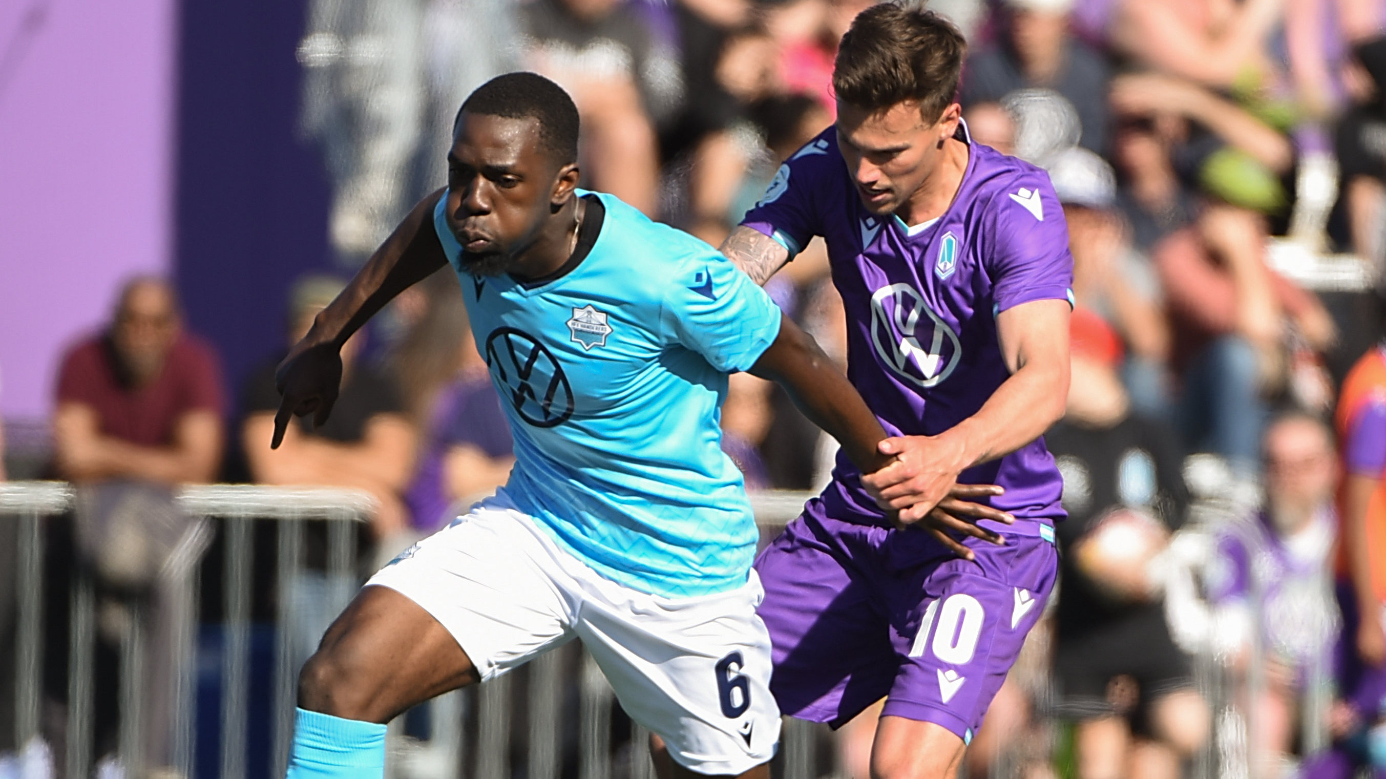 HFX Wanderers midfielder Chrisnovic N'sa controls the ball against Pacific FC midfielder Ben Fisk. (Anne-Marie Sorvin-USA TODAY Sports for CPL).