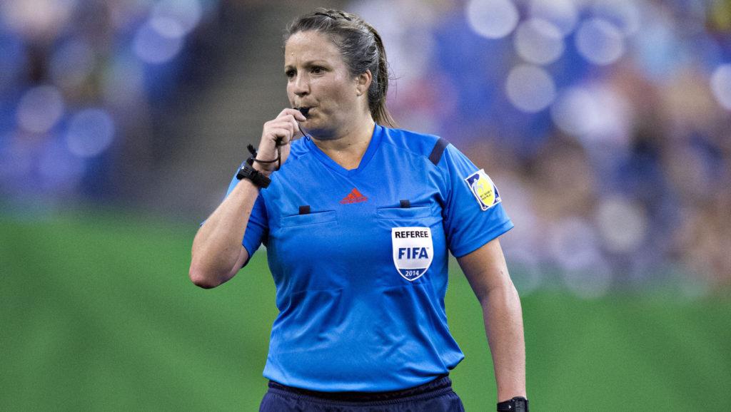 Referee Carol Anne Chénard.
