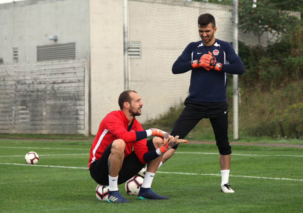 Marco Carducci (R) and Milan Borjan (L) in training for the CanMNT in Toronto. (Photo: Canada Soccer).