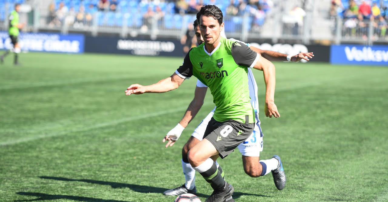 Joe Di Chiara of York9 in action against FC Edmonton. (CPL)
