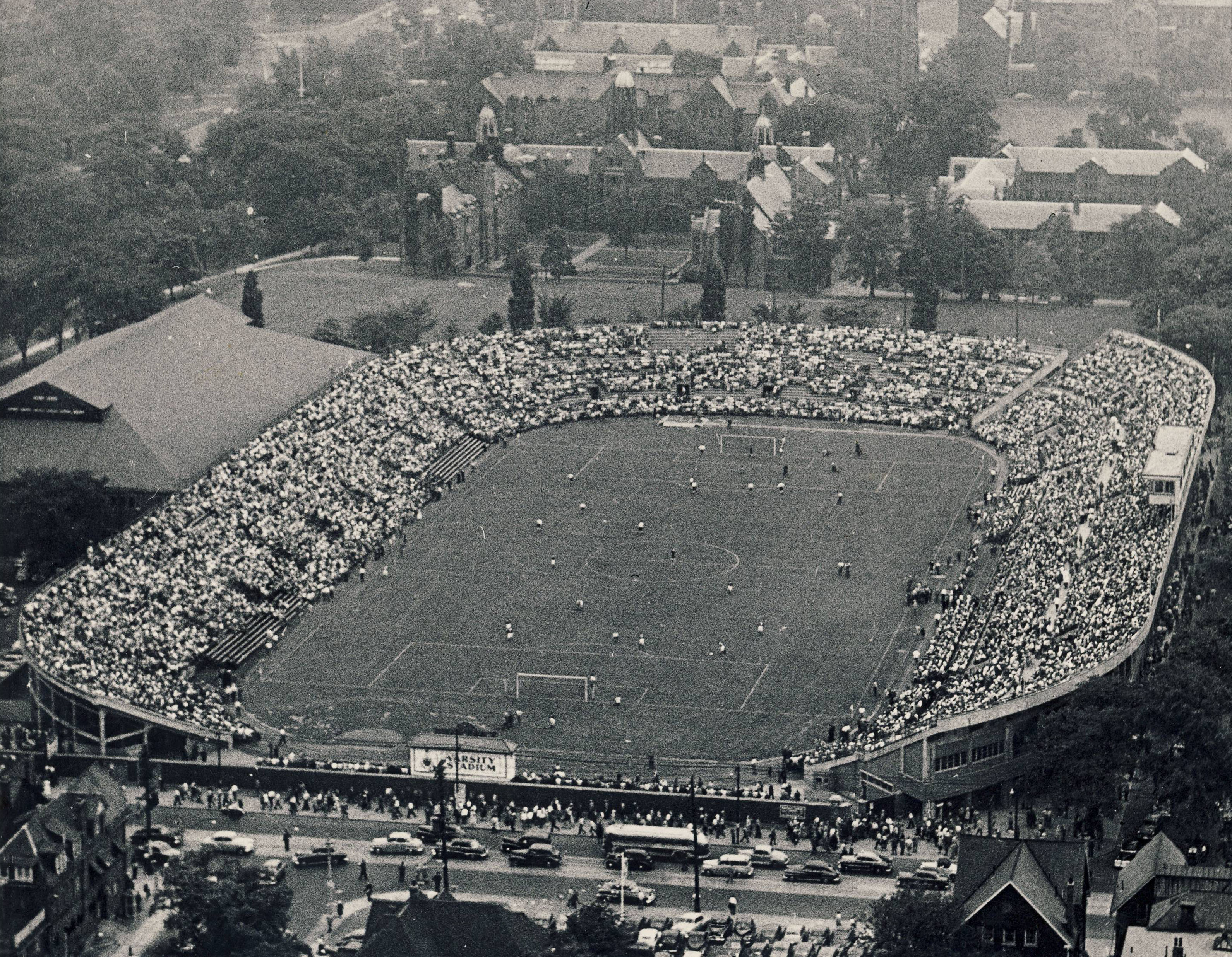 Tottenham Hotspur takes on Manchester United at Varsity Stadium in Toronto, 1952. (Canada Soccer)