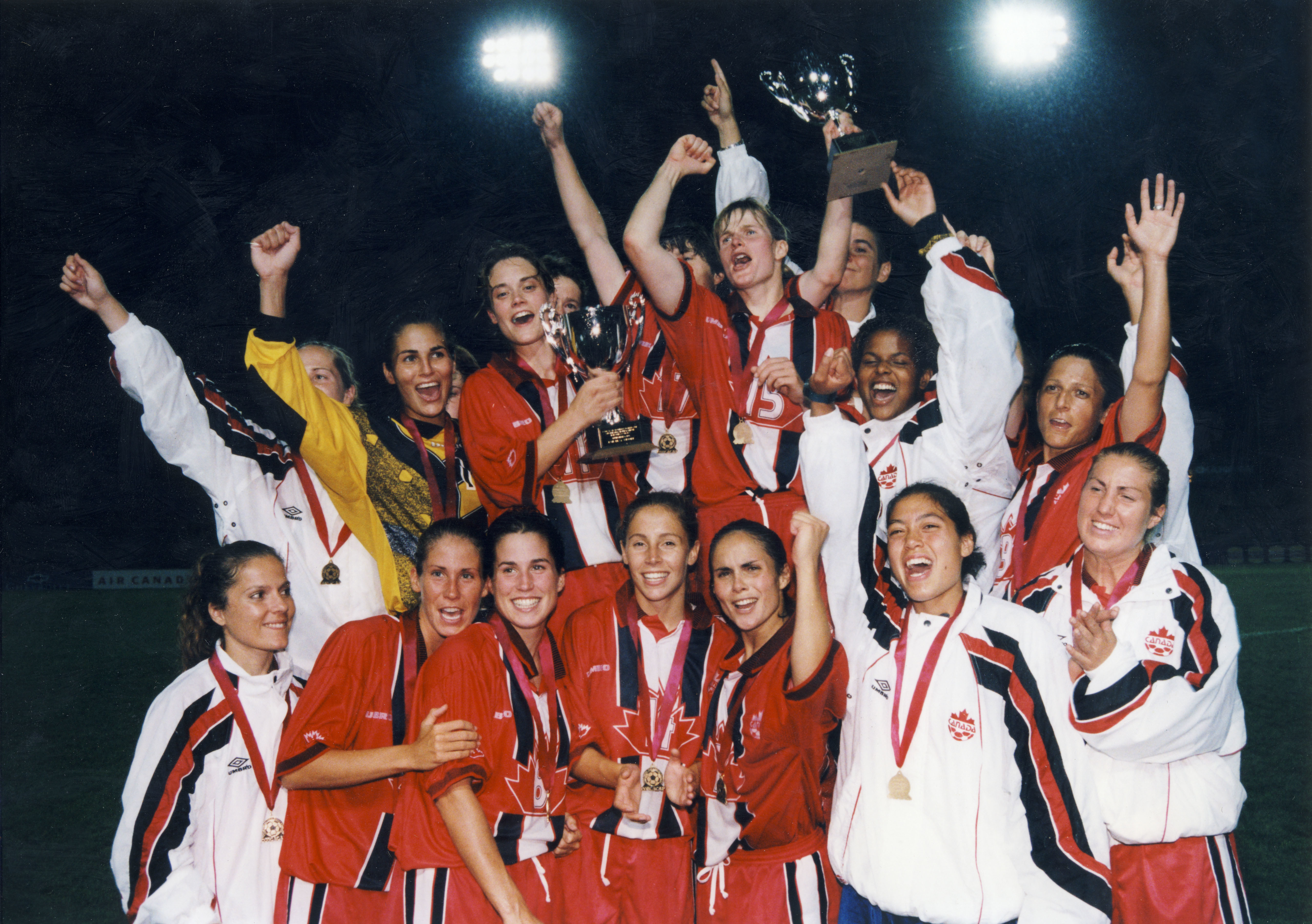 Canada's women's team, 1998 CONCACAF Champions. (Canada Soccer)