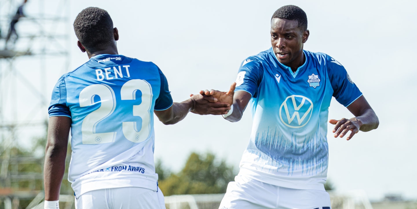 Canadian-Premier-League-HFX-Wanderers-FC-vs-Pacific-FC-Charlottetown-PEI.-Aug-15.-Sissoko-and-Bent.-CPL-Chant-Photography-e1597754437629-1440x722