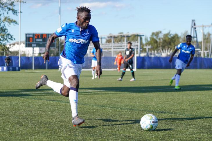 FC Edmonton fullback Jeannot Esua. (Photo: CPL/Chant Photography)