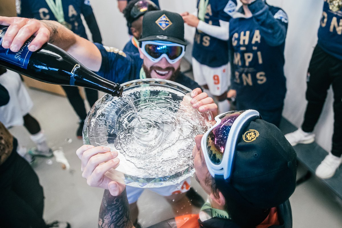 Forge FC celebrates winning the 2020 CPL Championship. (Nora Stankovic/OneSoccer)