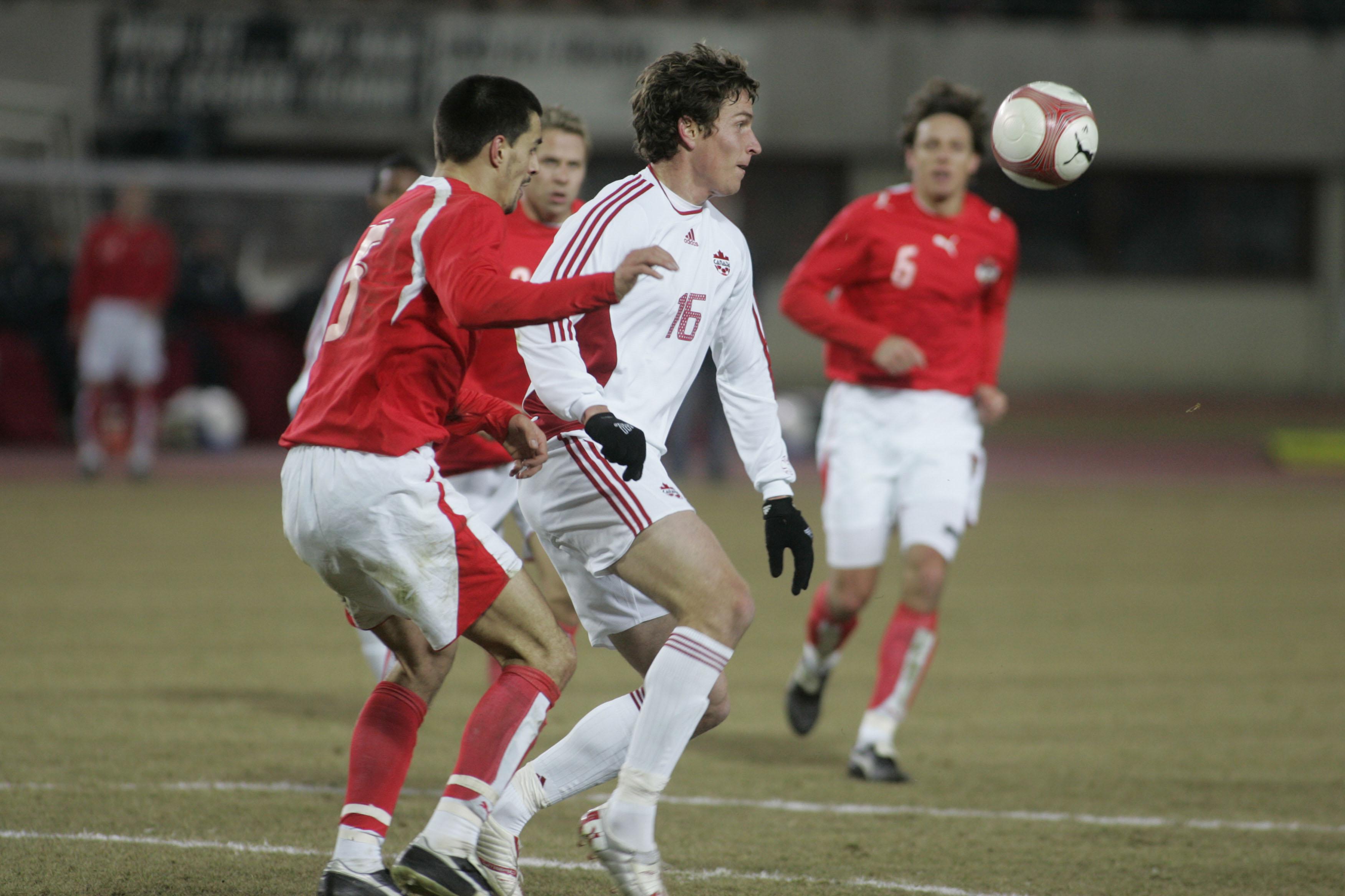 Rob Friend in action for Canada in a 2006 friendly vs. Austria. (Canada Soccer photo)