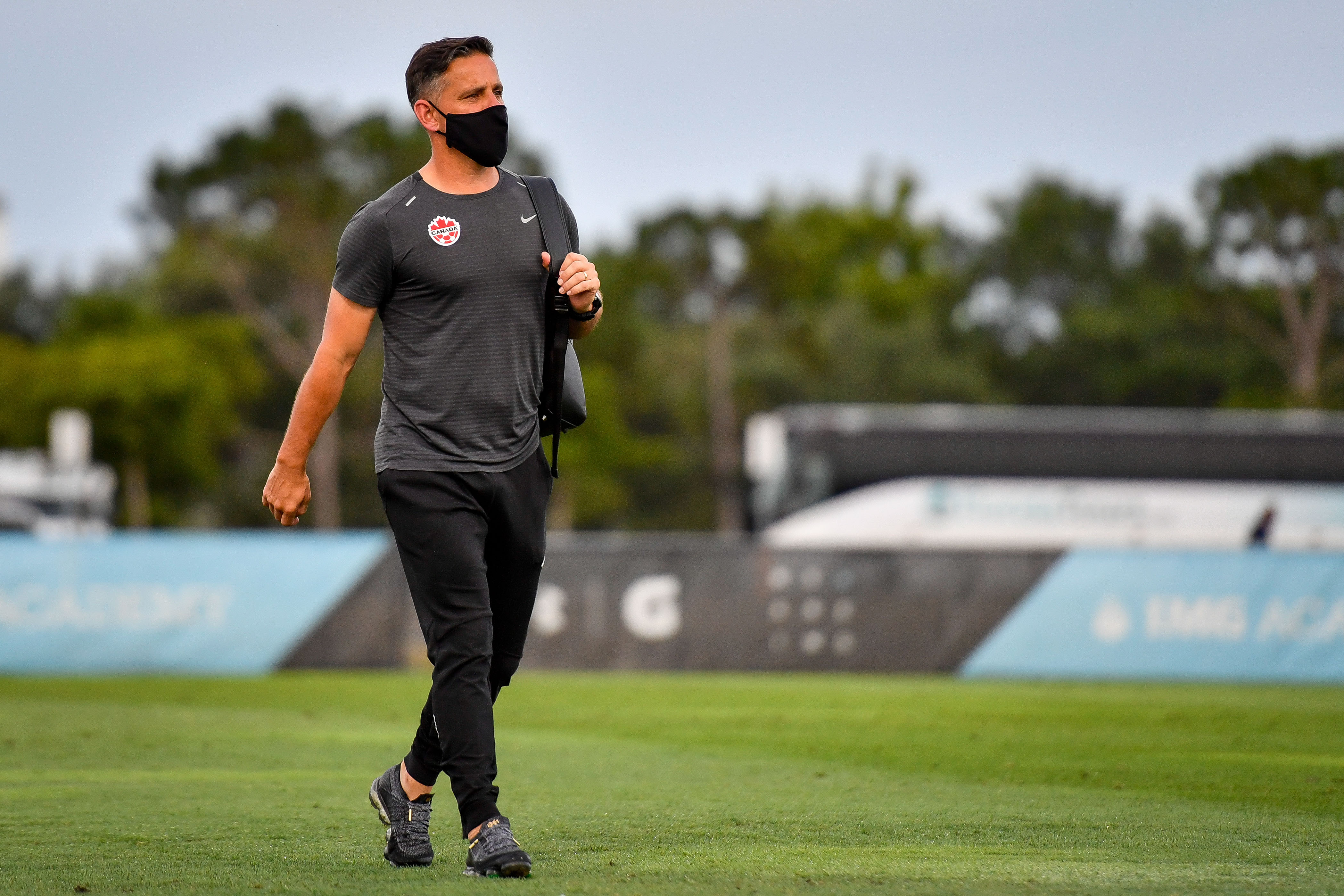 John Herdman in a Canada training session (Photo: Canada Soccer by Doug DeFelice)