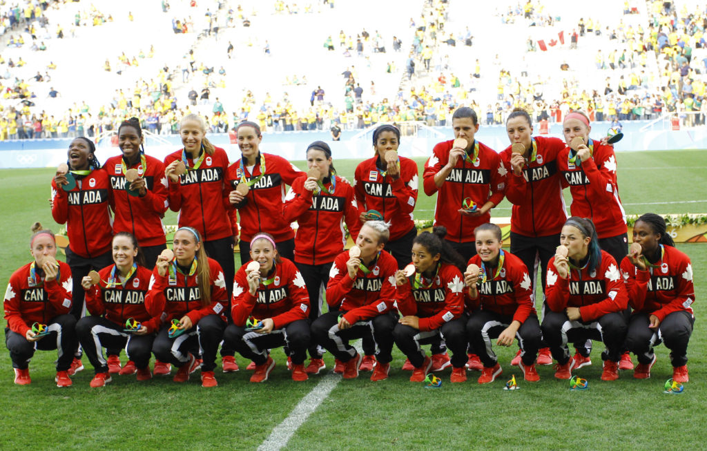 Canada's team photo with their bronze medals at Rio 2016 (Photo: Canada Soccer)
